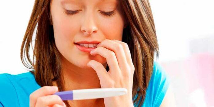 Teste de gravidez caseiro: aprenda como fazer seis testes