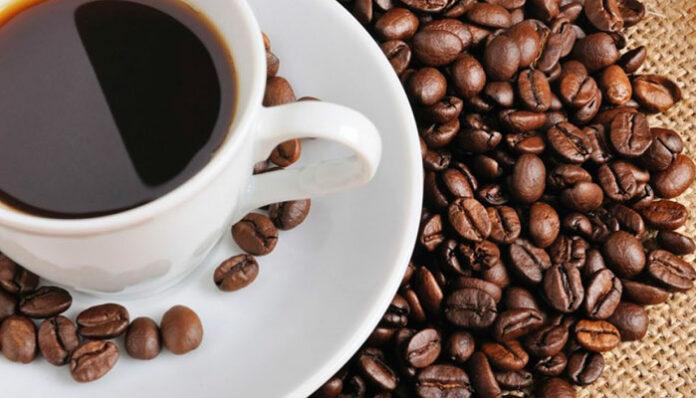 Café: vantagens e desvantagens de ser viciado em um cafezinho
