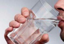 Beber água morna de manhã: É bom? Emagrece? Faz mal?